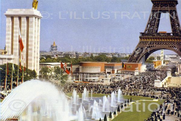 Exposition universelle à Paris en 1937 : les fontaines du Trocadéro