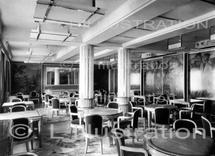 Restaurant des premières classes du paquebot l'Atlantique, décors réalisé par Follot, 1931.