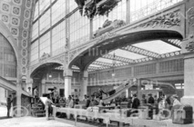 Acheminenement des bagages à la gare d'Orsay, Paris, 1900